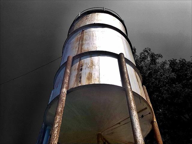 prevent algae in water tanks