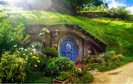 Hobbit House A Magical Living Experience With Rainwater harvesting and more